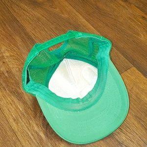 RVCA Accessories - RVCA by PM Tenore green trucker hat trippy art